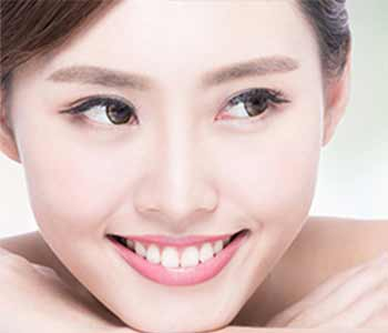Teeth Whitening Dr. John Aurelia Are you looking for the best at-home teeth whitening option in the Troy, MI area?