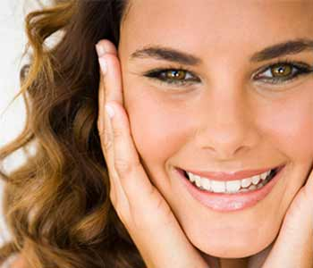Zoom! Teeth Whitening Treatments from Dr. Aurelia