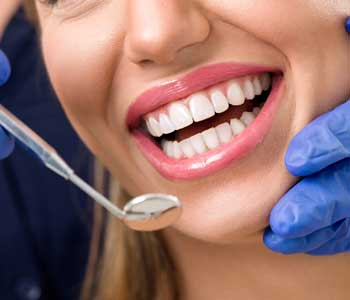 Dental Implants in Rochester Hills Dr. John Aurelia Dentist in Rochester wants you to know that good dental crowns are worth it!